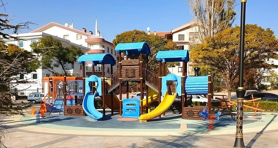 metal çocuk oyun parkları